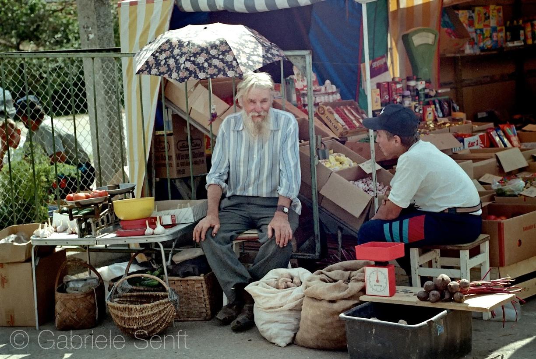 1997 im Juli in Litauen - auf dem Markt in Ignalina 1 | Copyright by Gabriele Senft